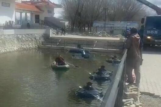 В Благовещенск из Франции привезли плавающие фонтаны для парка Дружбы видео установки