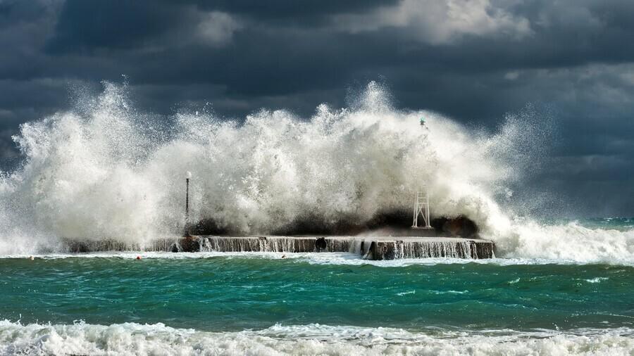 На Приморье движется мощный тайфун Власти готовятся к эвакуации отдыхающих