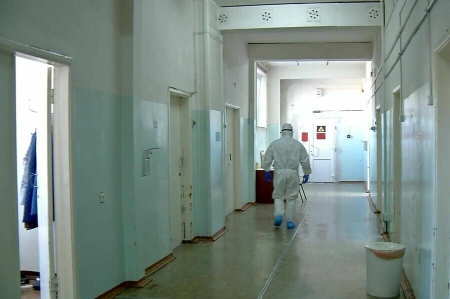 В инфекционных госпиталях Амурской области катастрофически не хватает врачей Дефицит достигает почти 70